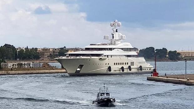 cronaca-yacht-di-lusso-a-brindisi